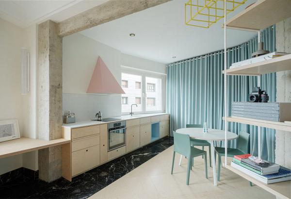 Tấm rèm xanh trong thiết kế nội thất nhà ở thay thế cho bức tường kiên cố
